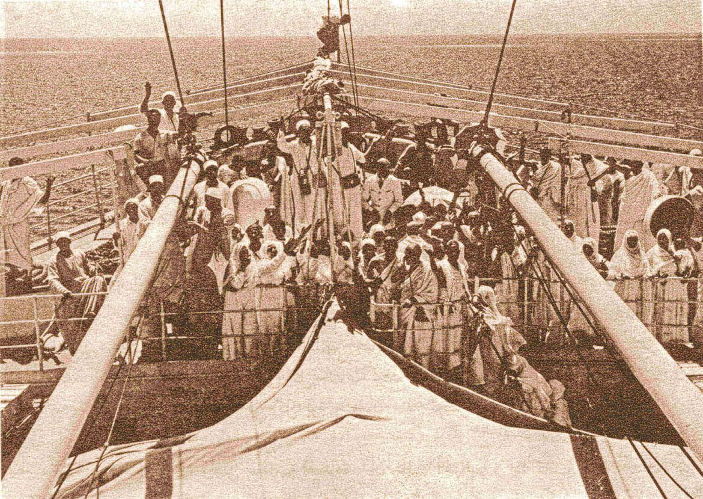 Kapal Haji belayar di Laut Merah menghampiri Pelabuhan Jeddah