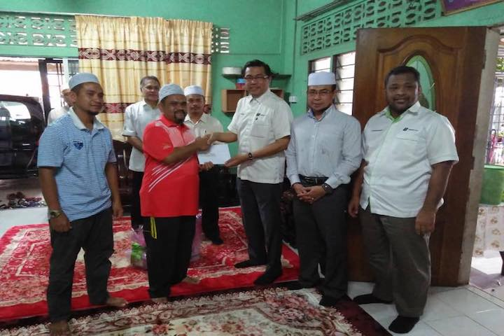 TH Visited Family of Hajj Pilgrims in Kelantan