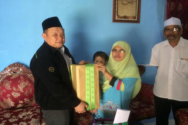 TH Visited Family of Hajj Pilgrims in Sarawak