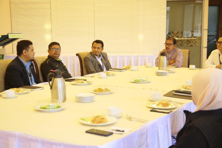 Program Khas Teh Tarik Bersama YBhg. Datuk Nik Mohd Hasyudeen Yusoff Pengarah Urusan Kumpulan & Ketua Pegawai Eksekutif (PUK/KPE)
